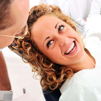 quanto custa em media um clareamento dentário